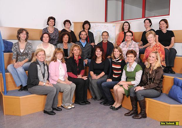 Lehrkörper der Oskar Helmer Hauptschule 2008/09