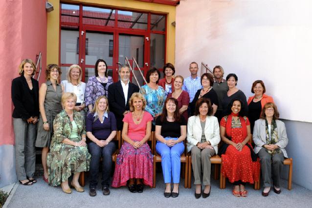 Lehrkörper der Oskar Helmer Hauptschule  2009/10