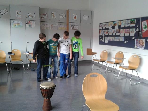 Teambildung durch Spiel